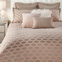Raleigh Bedding Set
