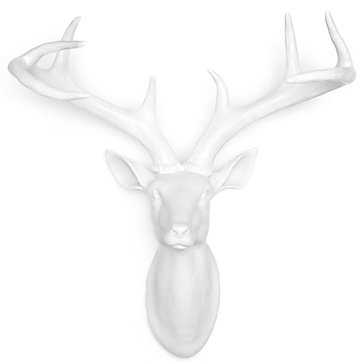 A { Blonde\'s } DIY Life: Digging some deer head wall decor!