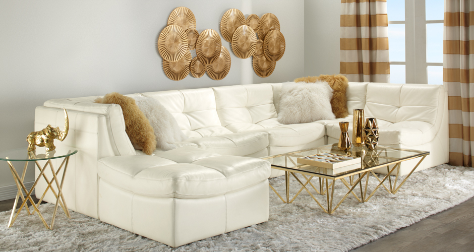 Gold and white luxe livingroom