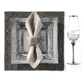 Luxe Dinnerware with theOscar Napkin Ring and Nadia Beeded Placemat. Get the look >